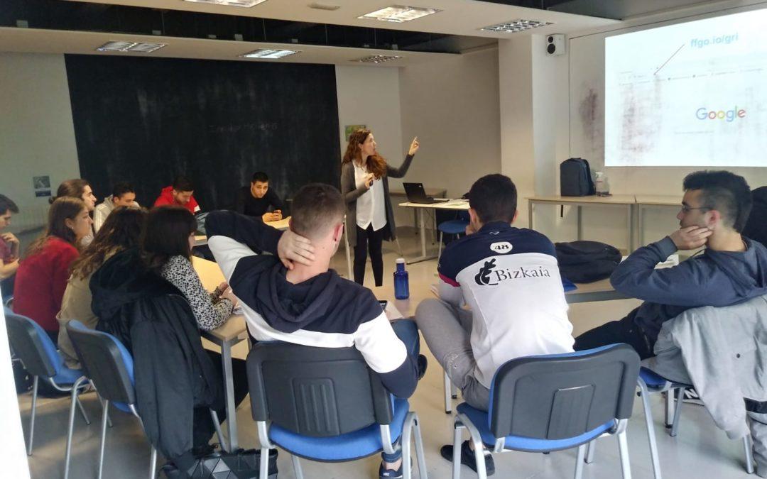 Marketina  eta  Publizitateko  ikasleek  workshop  Gri  enpresan